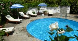 Neue Sonnenbetten am Pool!
